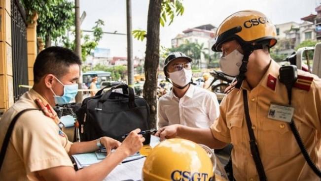 Giấy chứng nhận bảo hiểm điện tử được cấp theo quy định mới, cảnh sát giao thông sẽ kiểm tra bằng máy điện thoại cá nhân